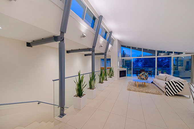 Matthew Flinders Drive Duplex Residence designed by Robert Snow Architect