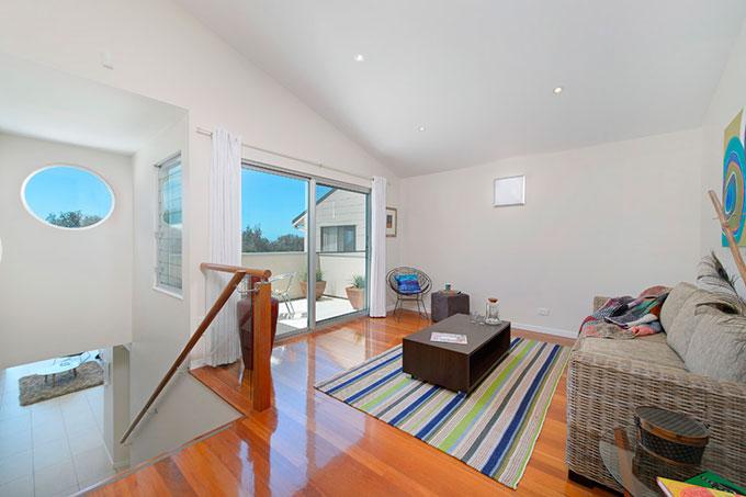 Matthew Flinders Drive Duplex Residence designed by Robert Snow Architect